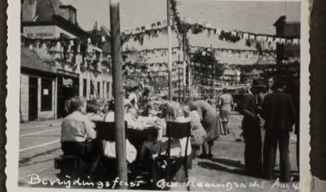 Bevrijdingsfeest Ged. Raamgracht, augustus 1945