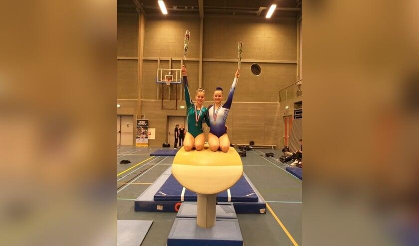 Chloe Booij en Marieke Wolf behaalden resp. een zilveren en gouden medaille.