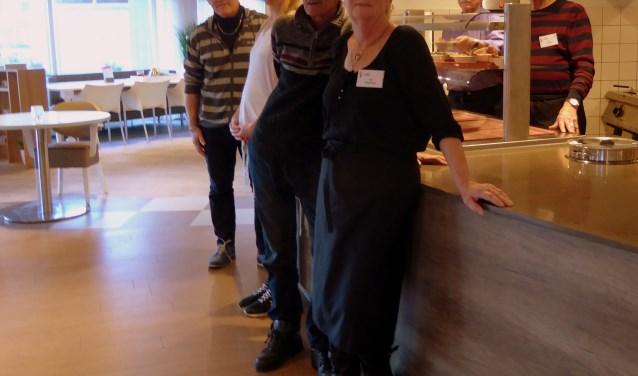 Van rechts naar links:Vooraan Aaf Vaars, Herman Vaars, Mirella Paans, Fred DuinenveldAchter staat Cor van der Spek en Hans Leenaards.