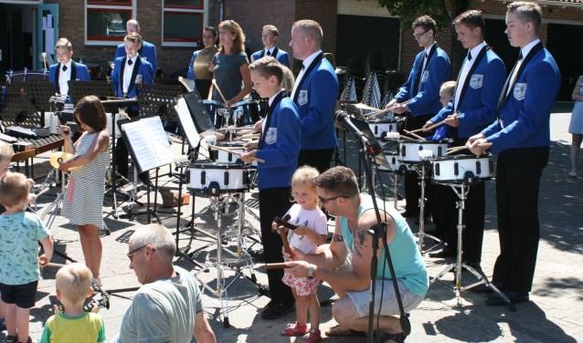 Muziekvereniging St. Caecilia geeft haar jaarlijkse concert op het plein voor De Wurf.