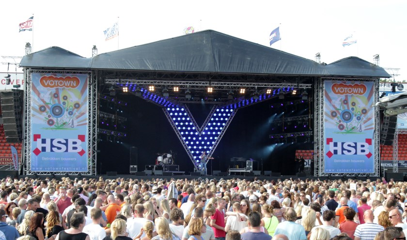 Volendam: 23-08-2015: Festival: VotownCOPYRIGHT NOVUM:  Fotograaf Fred Rotgans