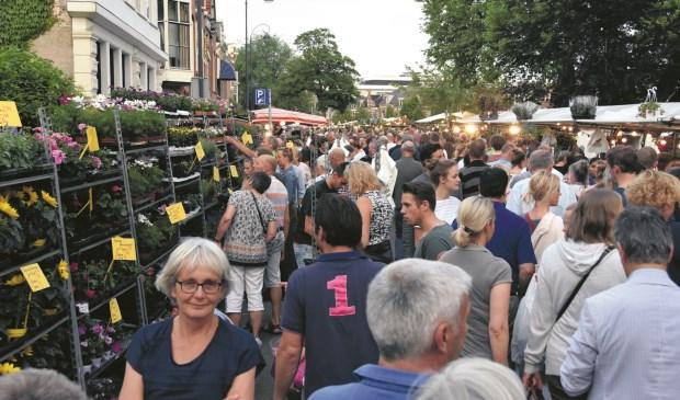 De Luilakmarkt is altijd razend populair.