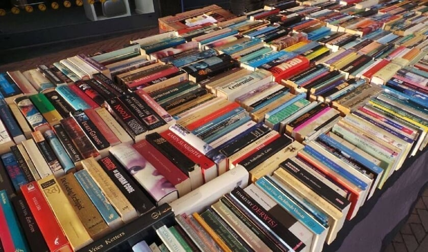 De Boeken-Platen- en Verzamelmarkt is zeer uitgebreid.