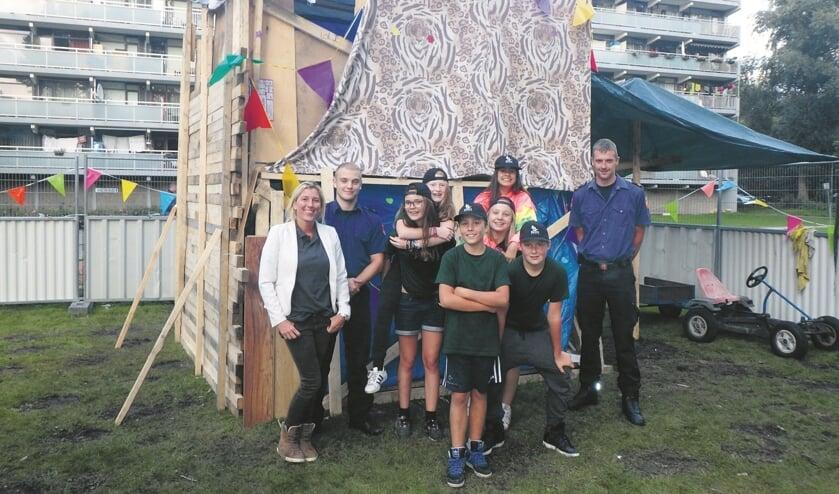 Team zwart was twee jaar geleden winnaar van huttenbouw. Giveaway Zaanstreek neemt de organisatie van huttenbouw weer in handen.