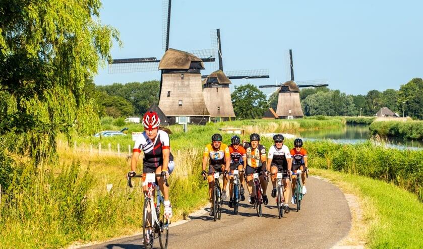 Op de pedalen over de Westfriese Omringdijk.