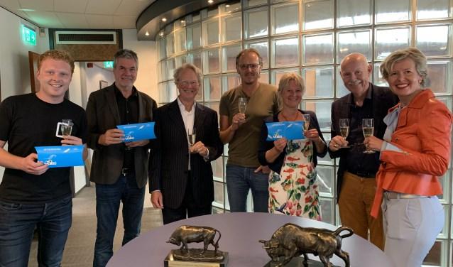 De jury en genomineerden: V.l.n.r. Martijn Apeldoorn, Simon Loerakker, Dick Winkelhuis, Patrick Oud, Gitta Klopper, Henk van Hylckama Vlieg en Elske Doets.