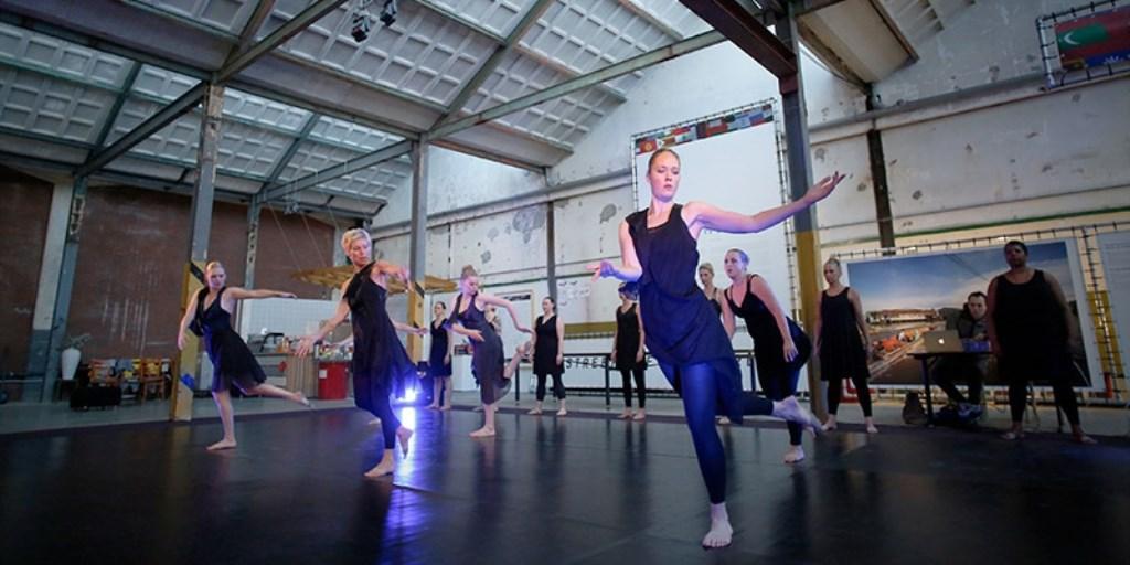 Dansvoorstelling in Zaans historische erfgoed. (Foto: IFIKZ) © rodi