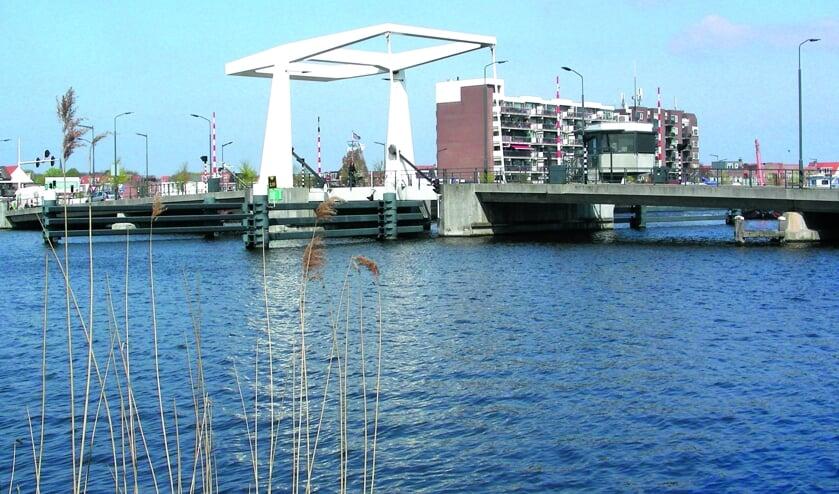 Een van de bruggen die Haarlem rijk is.