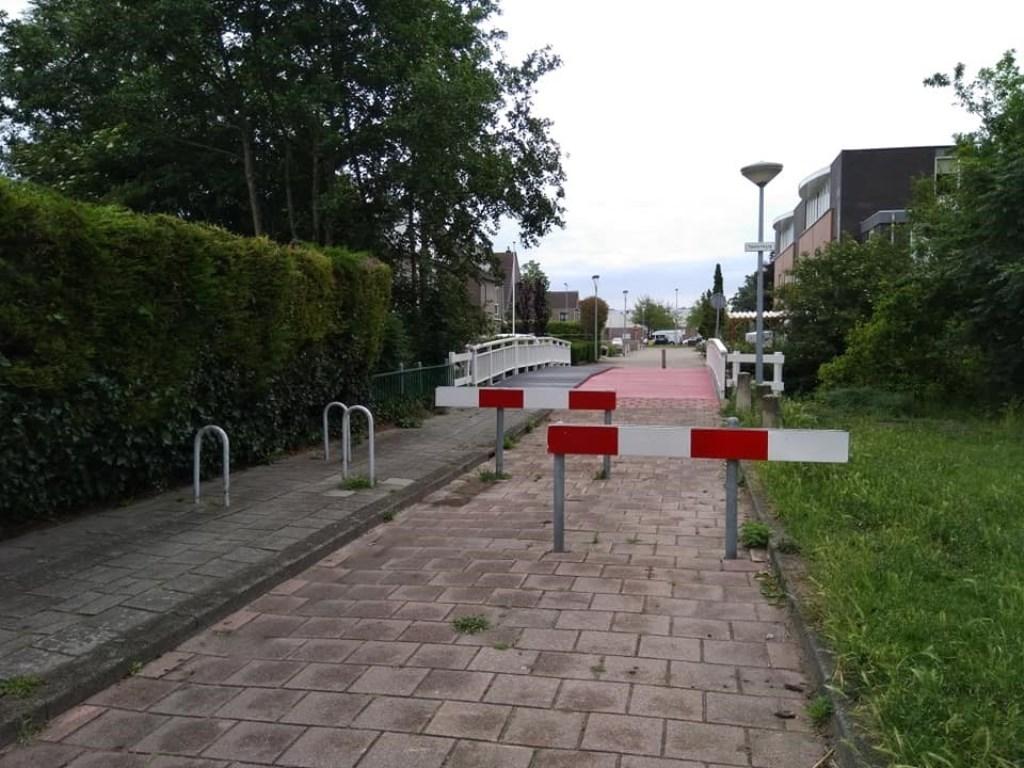 Het fietspad Burgsingel - IJweg waar bromfietsers voor omrijden.  (Foto: PvdA Haarlemmermeer) © rodi