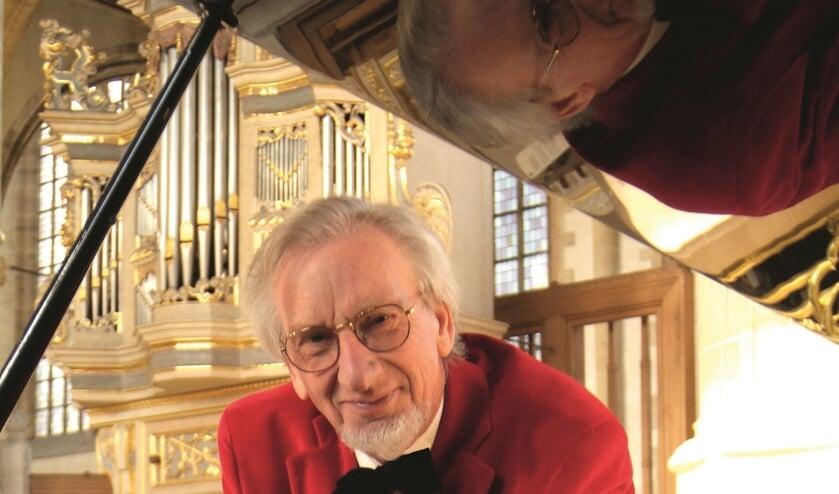 Sander van Marion, 60 jaar muziek,- de 'Nestor' aan het orgel.
