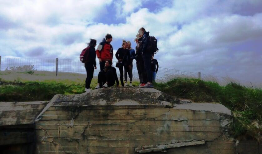Een rondleiding langs bunkers.