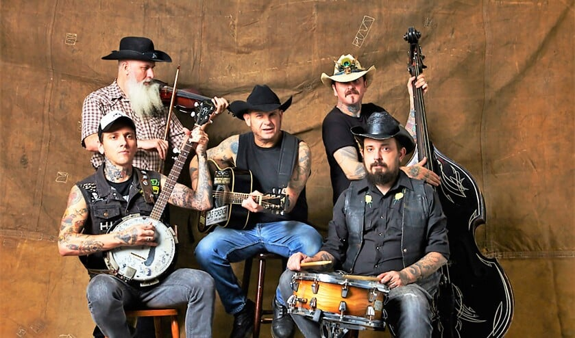 De Braziliaanse 'Bad Rock 'n Roll to the bone' band Hillbilly Rawhide.