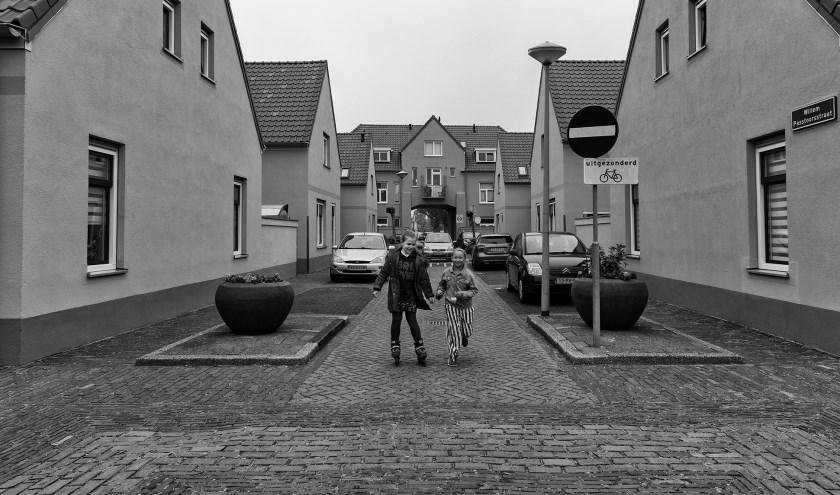 Stadsfotograaf Esther van Aalderen maakt een plaatje van het centrum/Aagtendorp.