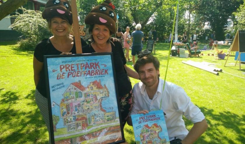 De Beverwijkse illustrator Tjarko van der Pol met de omslag van het kinderboek.