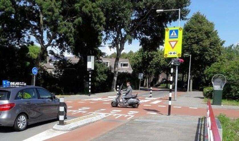 De onveilige oversteek op de Rekerdijk is aangepakt.