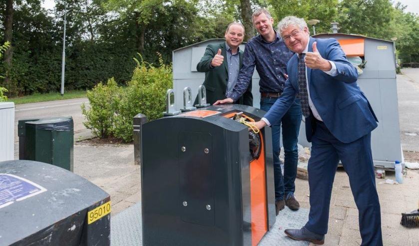 Vlnr. projectleider Joost Moerkerk, gemeenteadviseur Hilbert Moll en wethouder Jan Houtenbos.