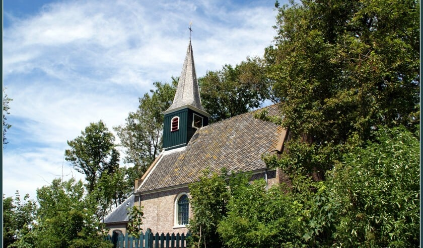 Onderwegkerkdienst in kerkje Eenigenburg.