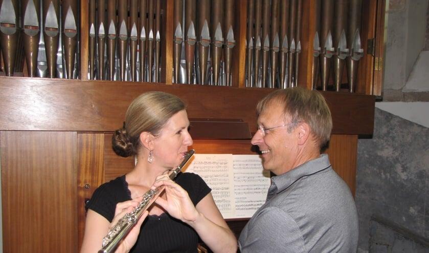 Organist Koos Teekens en fluitiste Margatet Mathot.