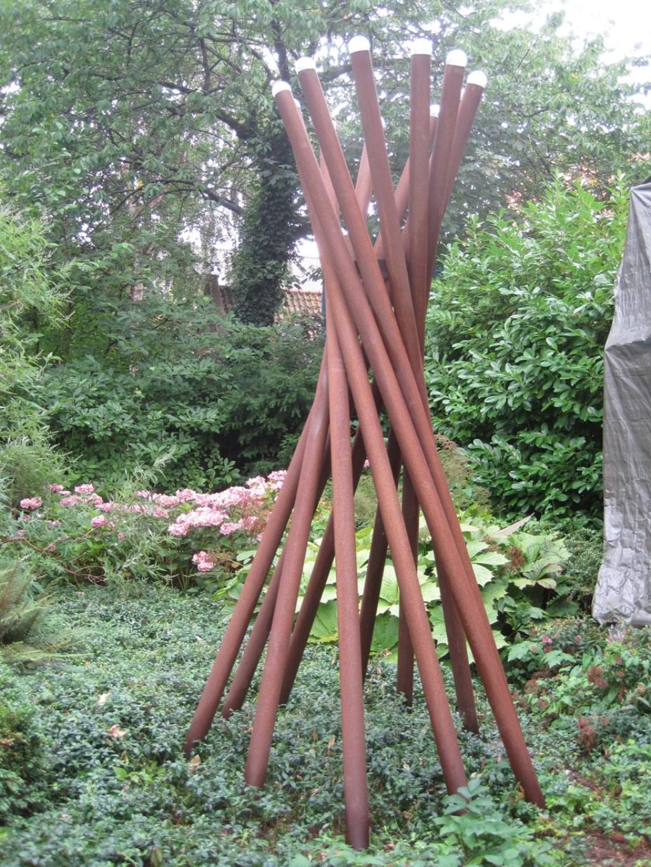 Diverse kunstwerken zijn te bewonderen tijdens Expoost in Hoorn, onder meer Tipi van Cobi Dierikx.  © rodi
