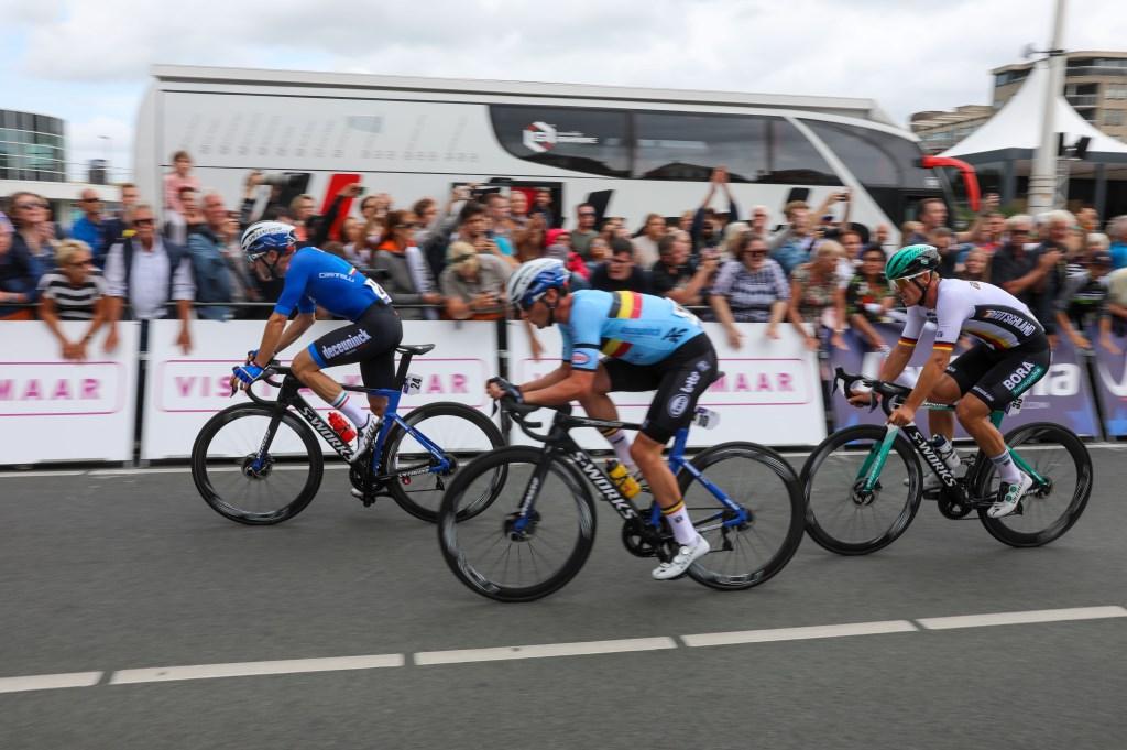 De drie koplopers gaan de laatste ronde in. (Foto: Vincent de Vries) © rodi