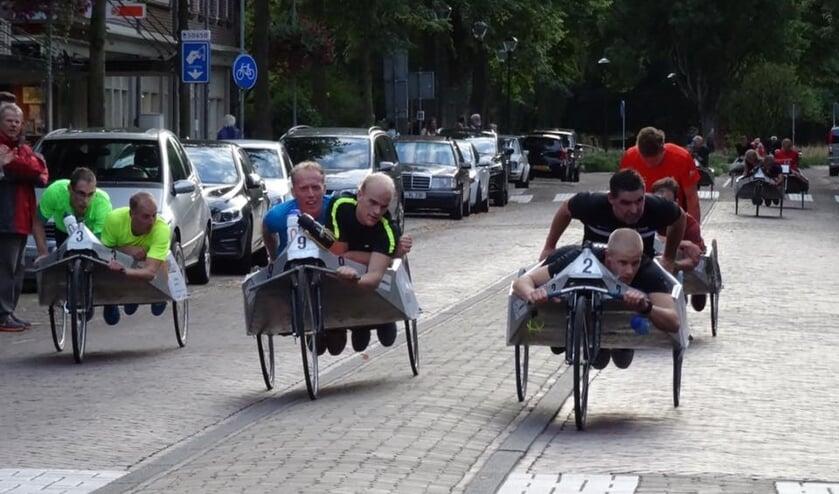 Beddenrace wordt in Bergen gehouden.