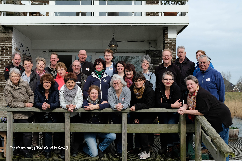 Gezellig samen aan de slag voor NL Doet. (Foto: Ria Houweling-Bouwman)