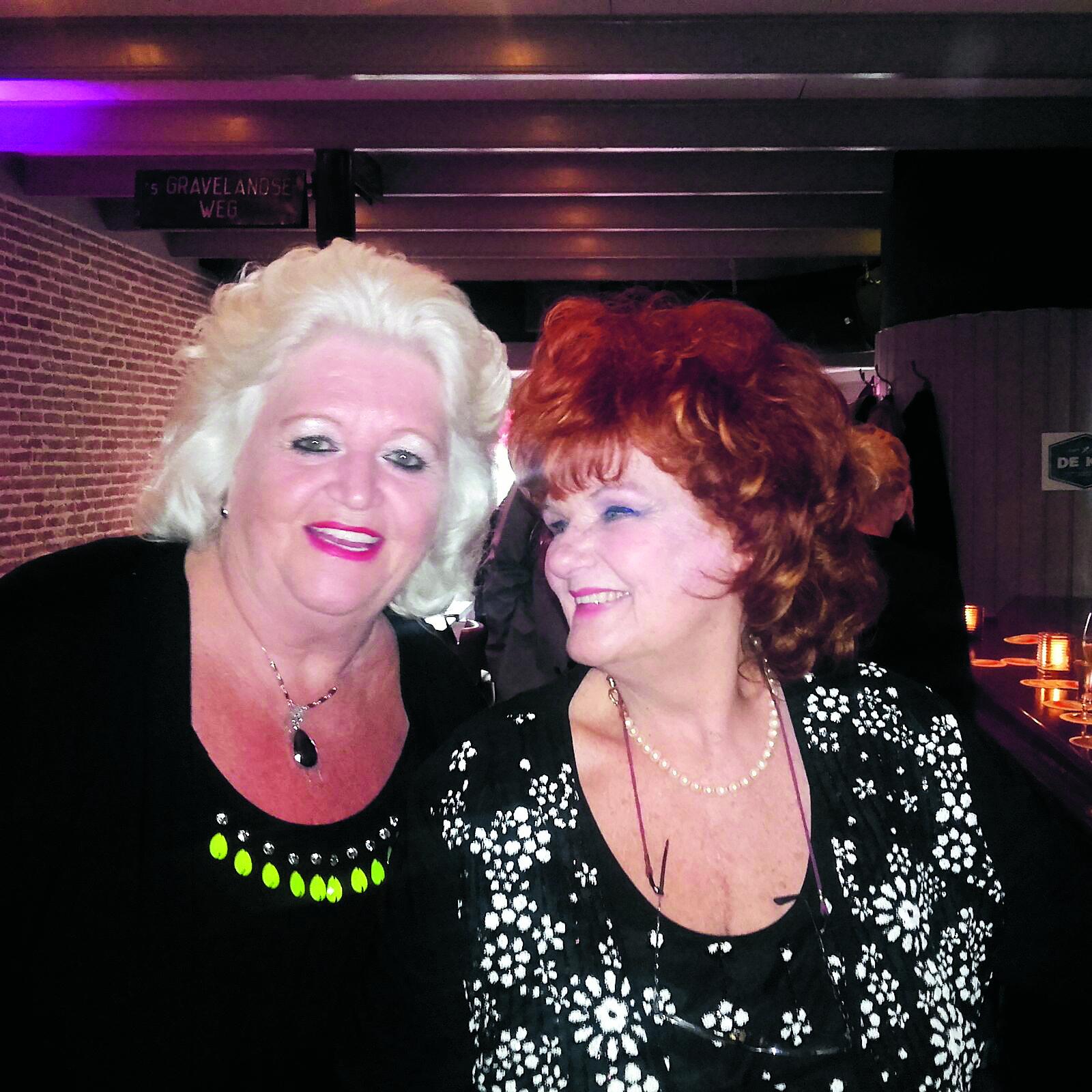 Zangeres Country Wilma met haar gewaardeerde collega Imca Marina. (Archieffoto)