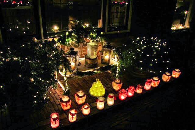 De wandeling voert bezoekers langs talrijke lichtjes. (Archieffoto: enkhuizen-bijkaarslicht.nl)
