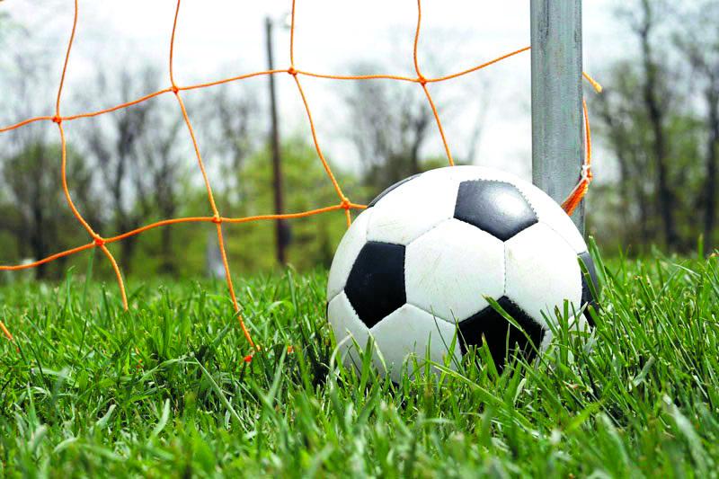 Welke meiden willen voetballen in het gezellige Vrouwen 1 van Strandvogels? (Foto: Shutterstock)