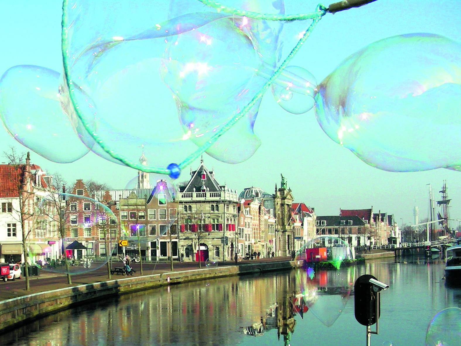 Amsterdammers drijven mogelijk de huizenprijzen op in Haarlem. (Foto: Ad Timmers)