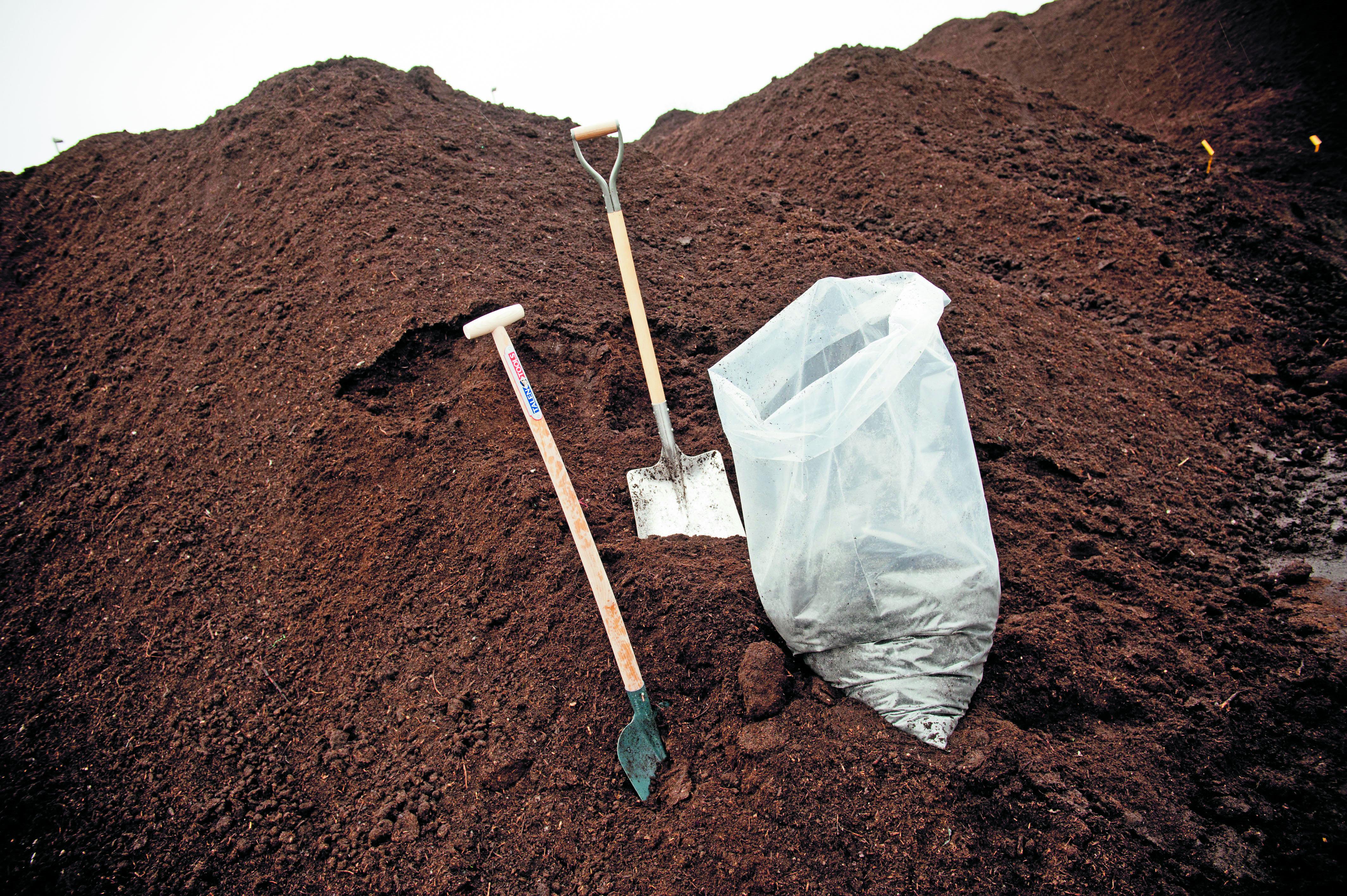 Compost nodig? Schep 17 maart gratis compost bij HVC in Middenmeer. (Foto: aangeleverd)