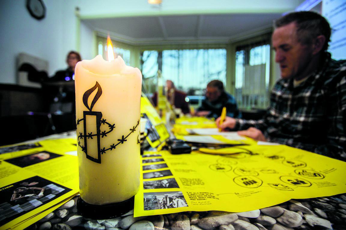 Steun een mensenrechtenverdediger door een brief te schijven tijdens de Amnesty International schrijfactie. (Foto: archief Rodi Media)