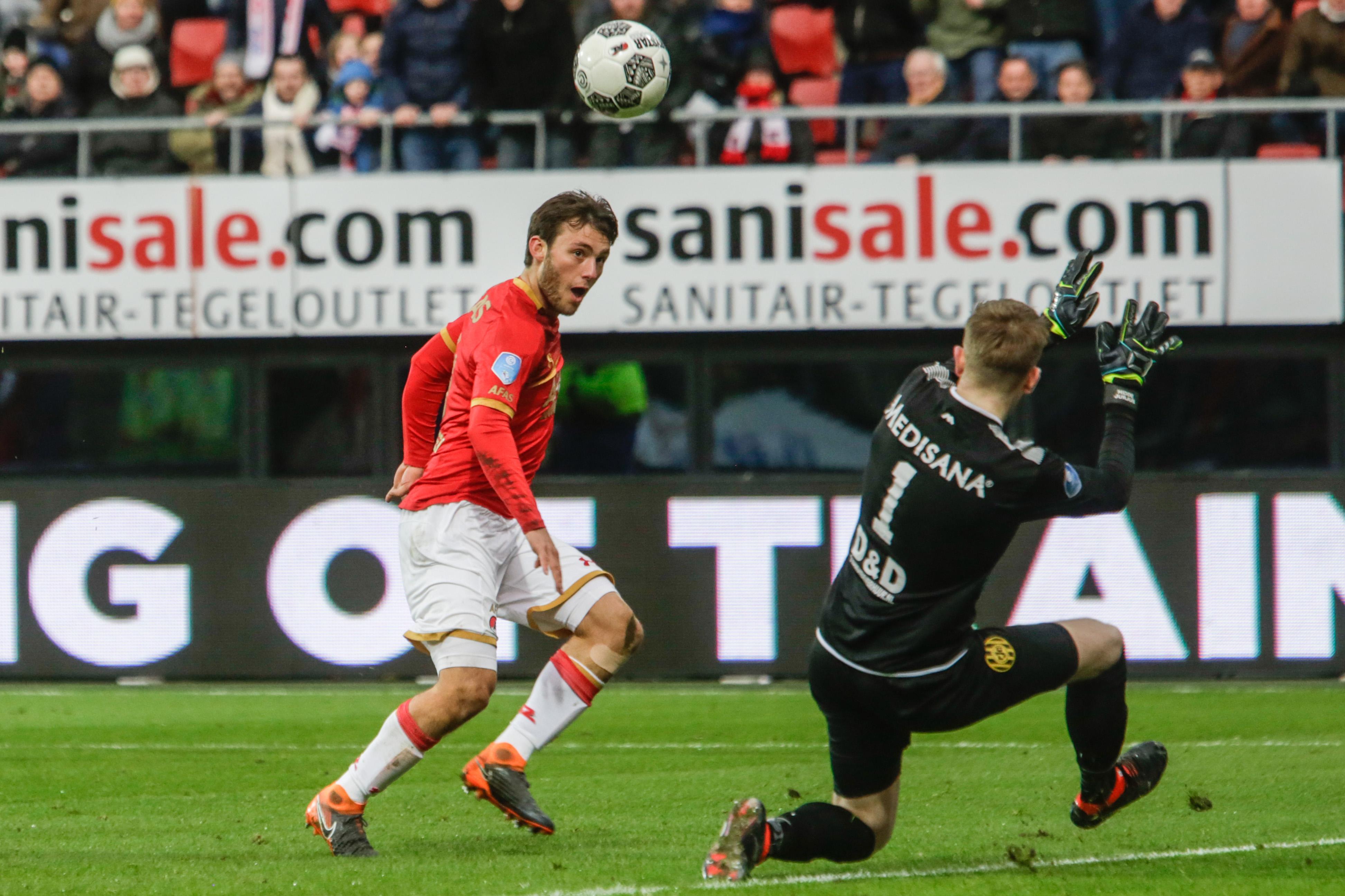 Stiftje van Overeem mist het doel net voor de 3-2. (Foto: Vincent de Vries/RM)