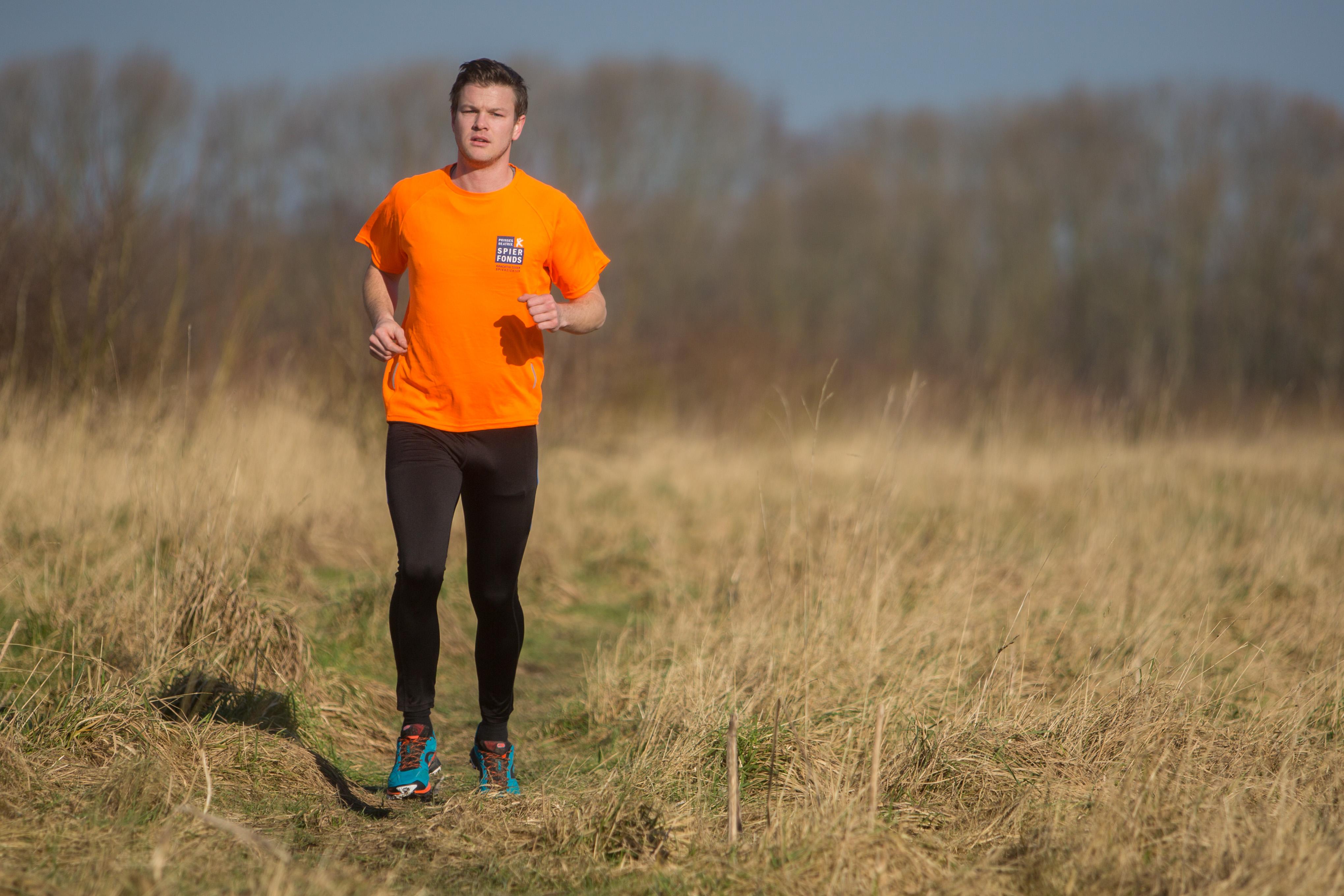 Sander Kunst gaat binnenkort vijftig kilometer hardlopen voor een goed doel: spierziekte. (Foto: Vincent de Vries/RM). rodi.nl © rodi