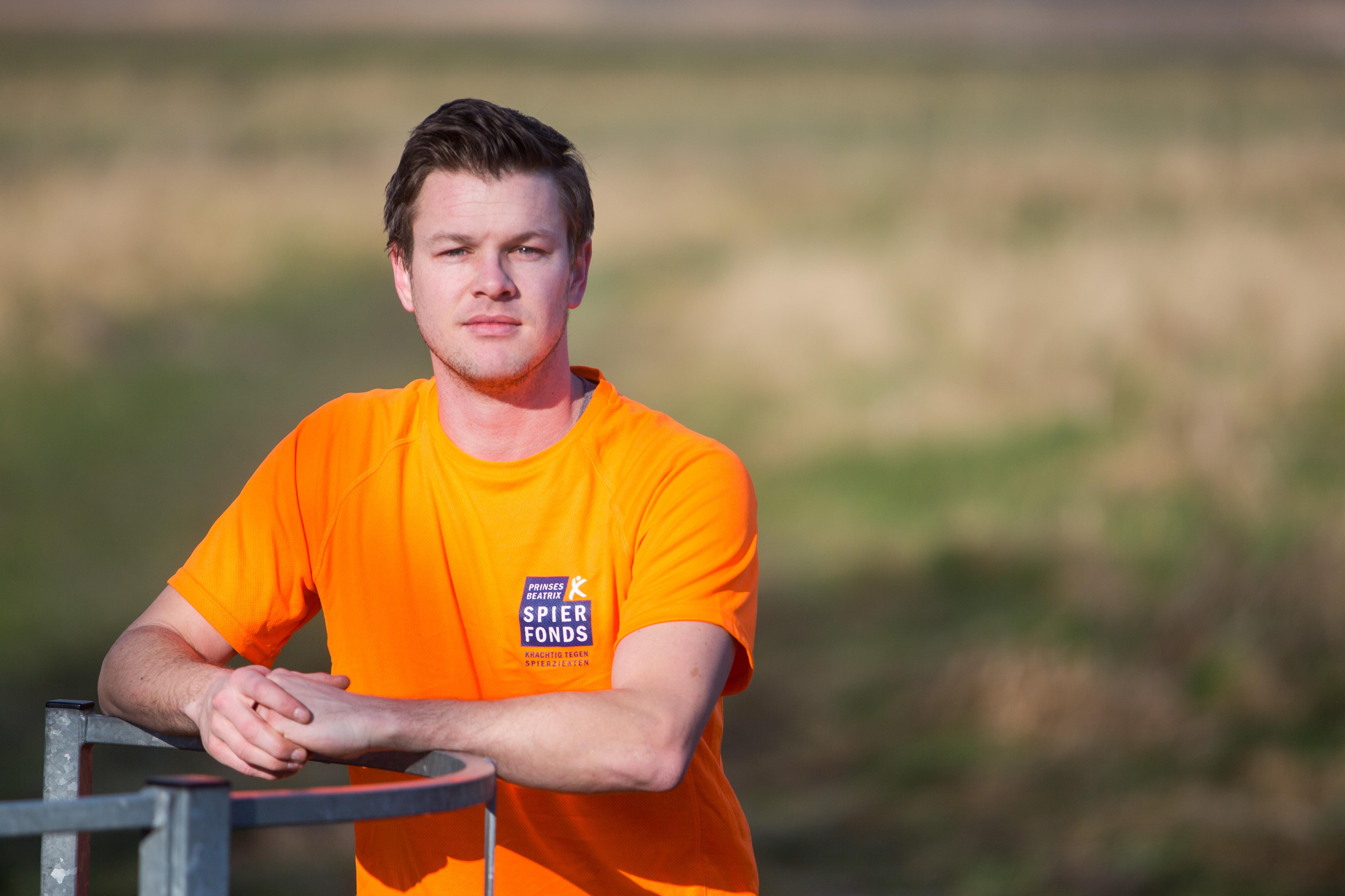 Sander Kunst gaat binnenkort vijftig kilometer hardlopen voor een goed doel: spierziekte. (Foto: Vincent de Vries/RM).