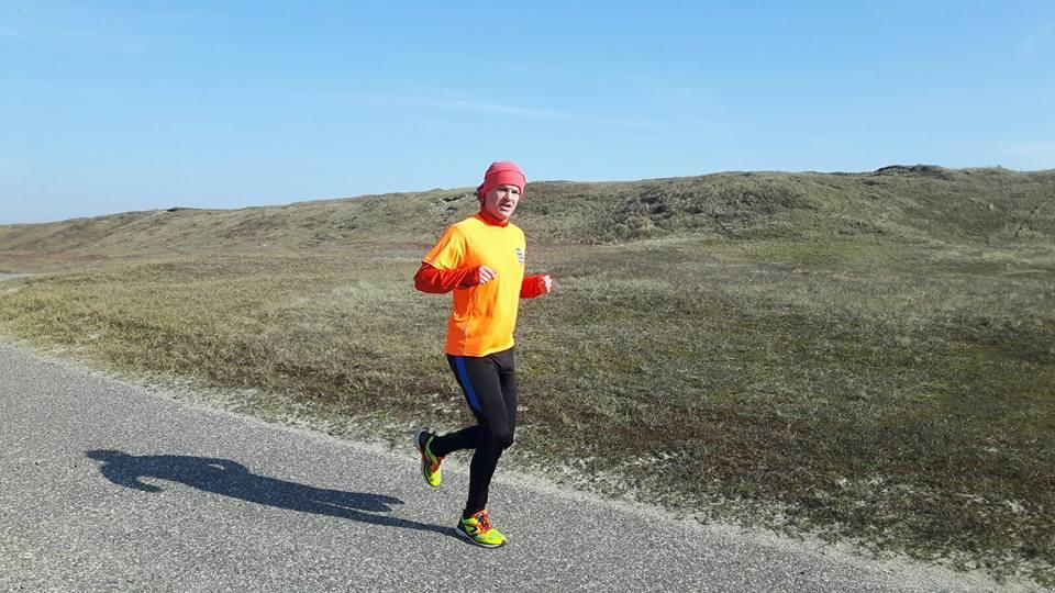 Sander Kunst liep de vijftig kilometer, van Den Helder naar Alkmaar, is een tijd van vijf uur en 58 minuten. (Foto: aangeleverd0.