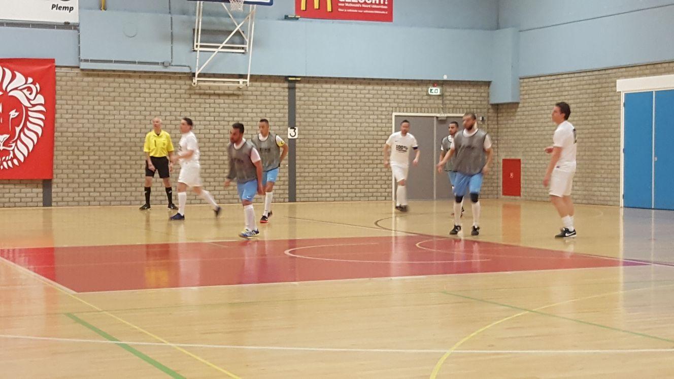 De selectie van FCZSW/EVBOX liep in Landsmeer tegen een kleine nederlaag aan. (Foto: FCZSW/EVBOX)