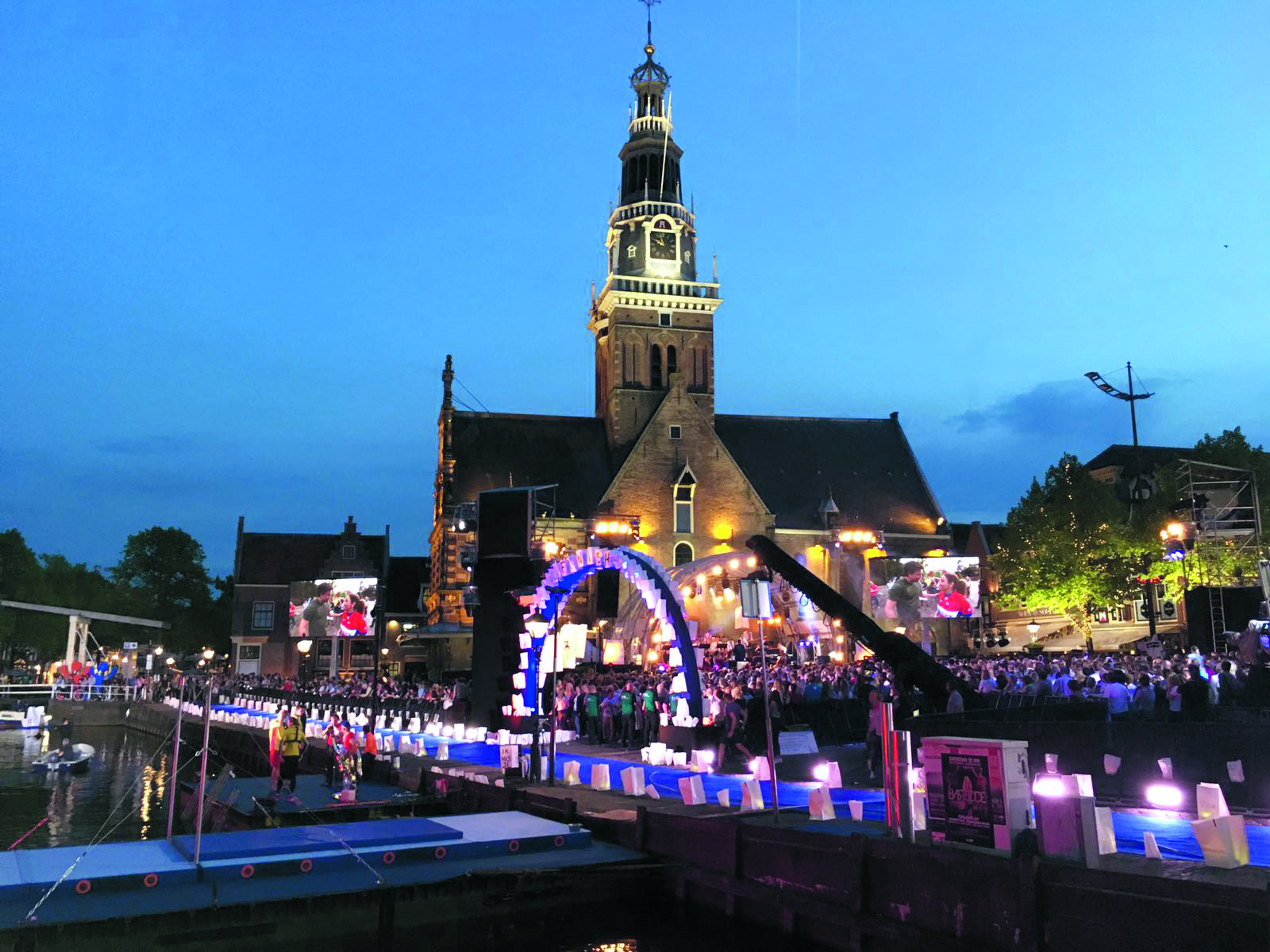 Voor de tweede keer vormt het Waagplein het decor voor de jaarlijkse liveshow 'Nederland staat op tegen kanker'. (Foto: aangeleverd)