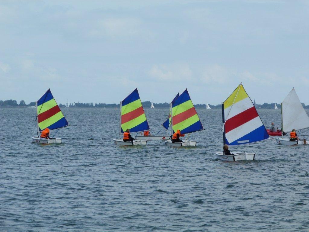 Kinderen tussen de acht en twaalf jaar zijn bij watersportvereniging Schardam van harte welkom! (Foto: aangeleverd)