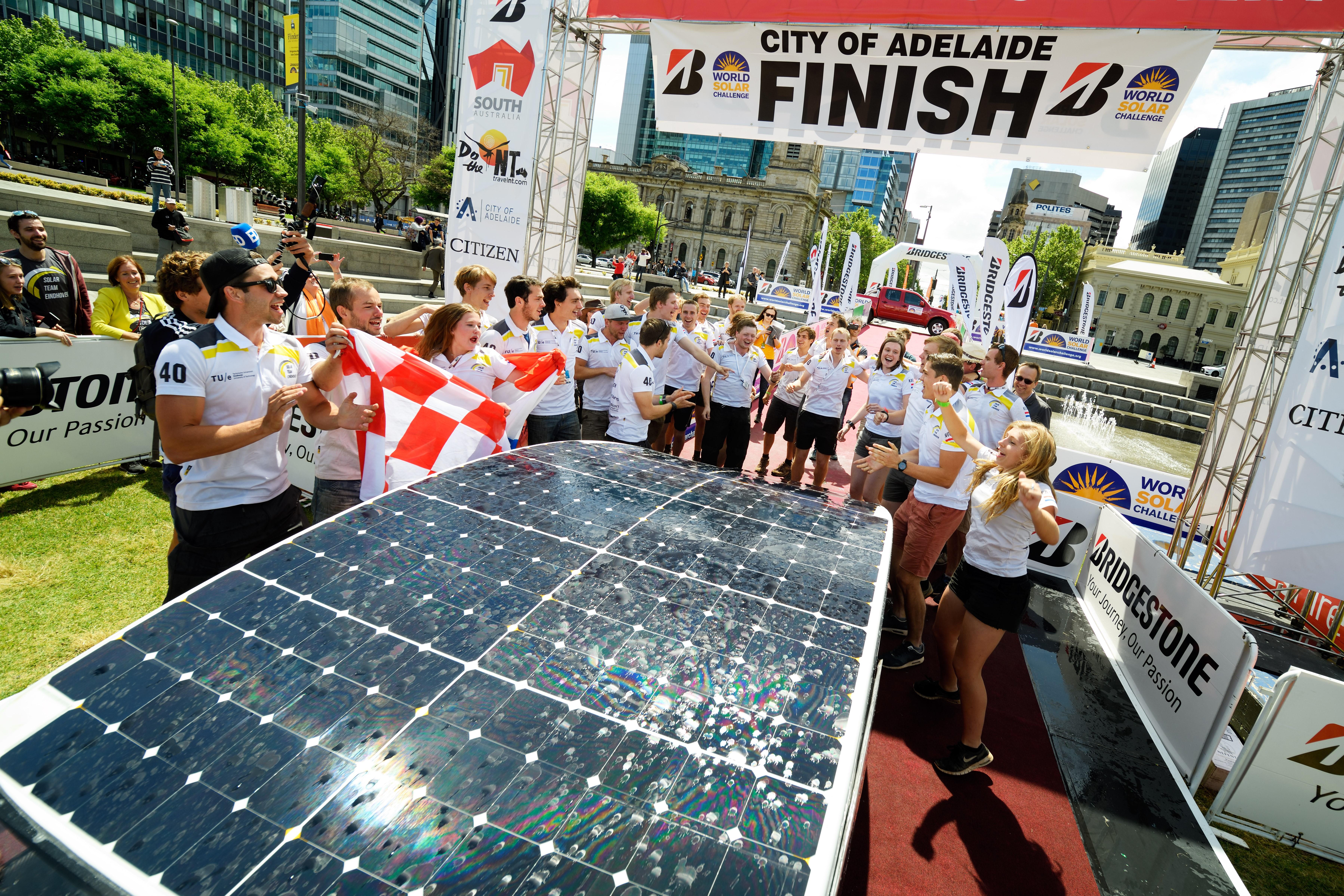Het Solar-team van de TU in Eindhoven is ook van de partij in De Beuk. (Foto: aangeleverd)