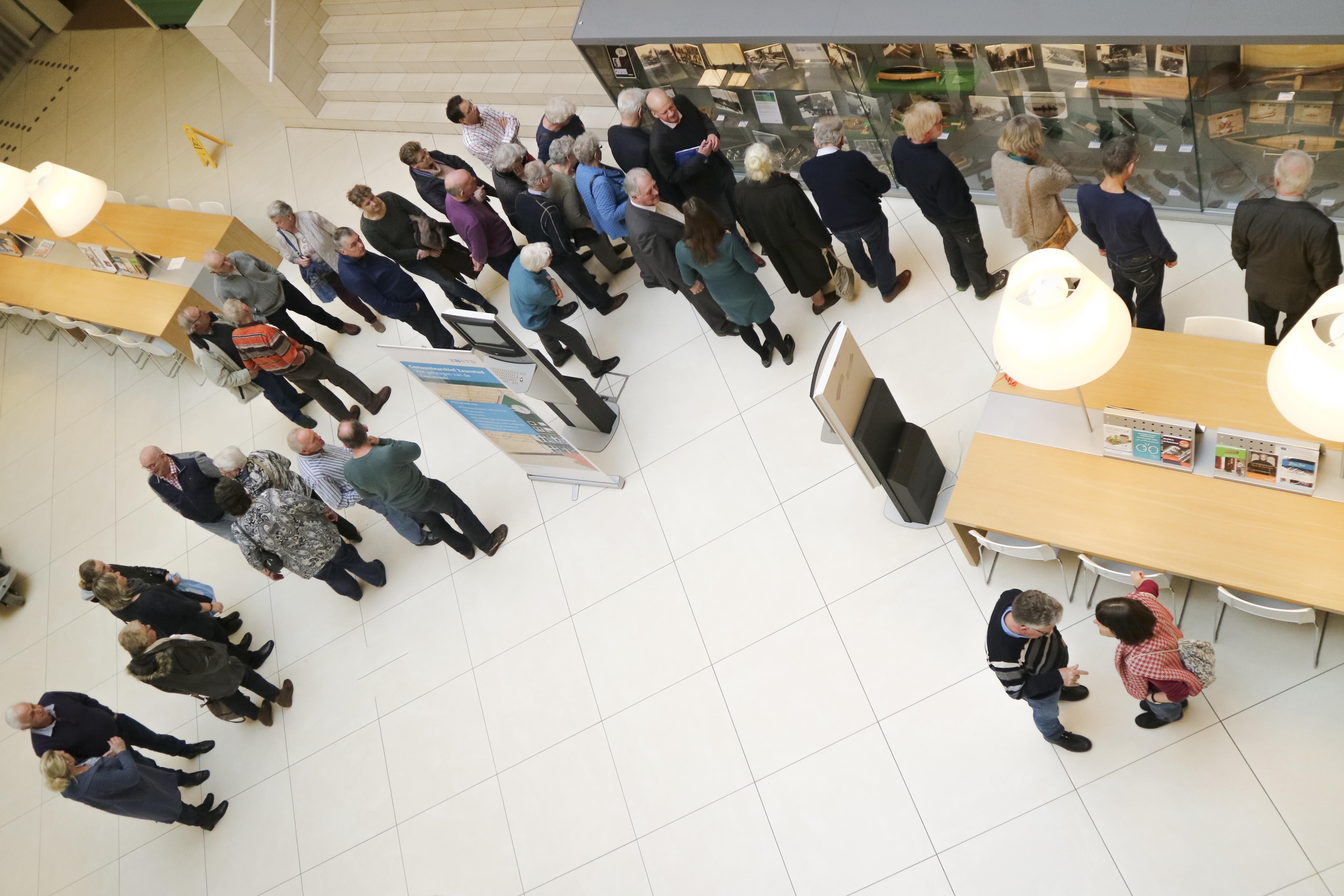 In het stadhuis van Zaanstad is een tentoonstelling over Oostzaanse jollen te zien. (Foto: aangeleverd)