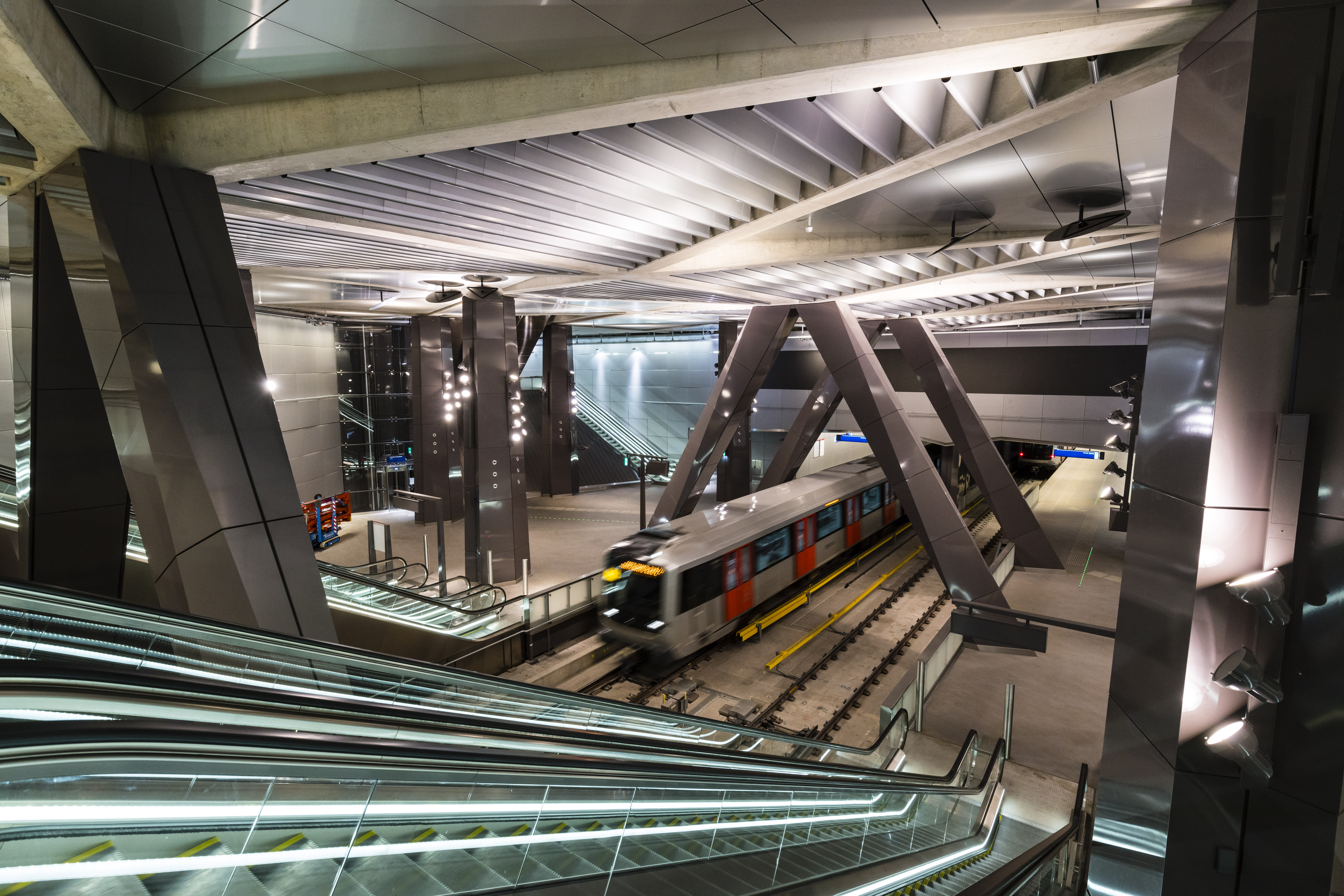 Metrostation Noord/Zuidlijn. (Foto: Gé Dubbelman)