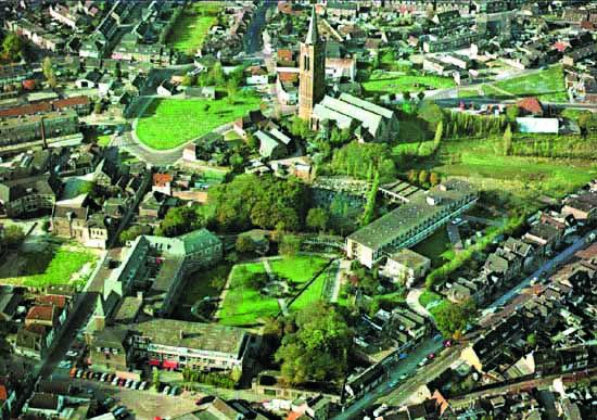Luchtfoto omgeving Kerkbuurt (Foto: Prentenkabinet van der Linden)