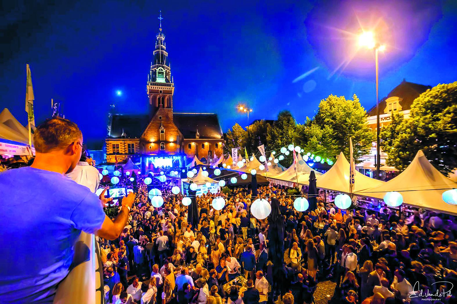 Na 26 jaar neemt Alkmaar Culinair Plaza afscheid van het Waagplein. (Foto: Ed van de Pol)