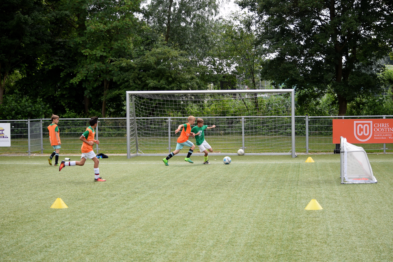 Kom gezellig naar het grootse Voetbalfestijn op de velden bij V.V. Monnickendam. ( Foto: Eye City Fotografie)
