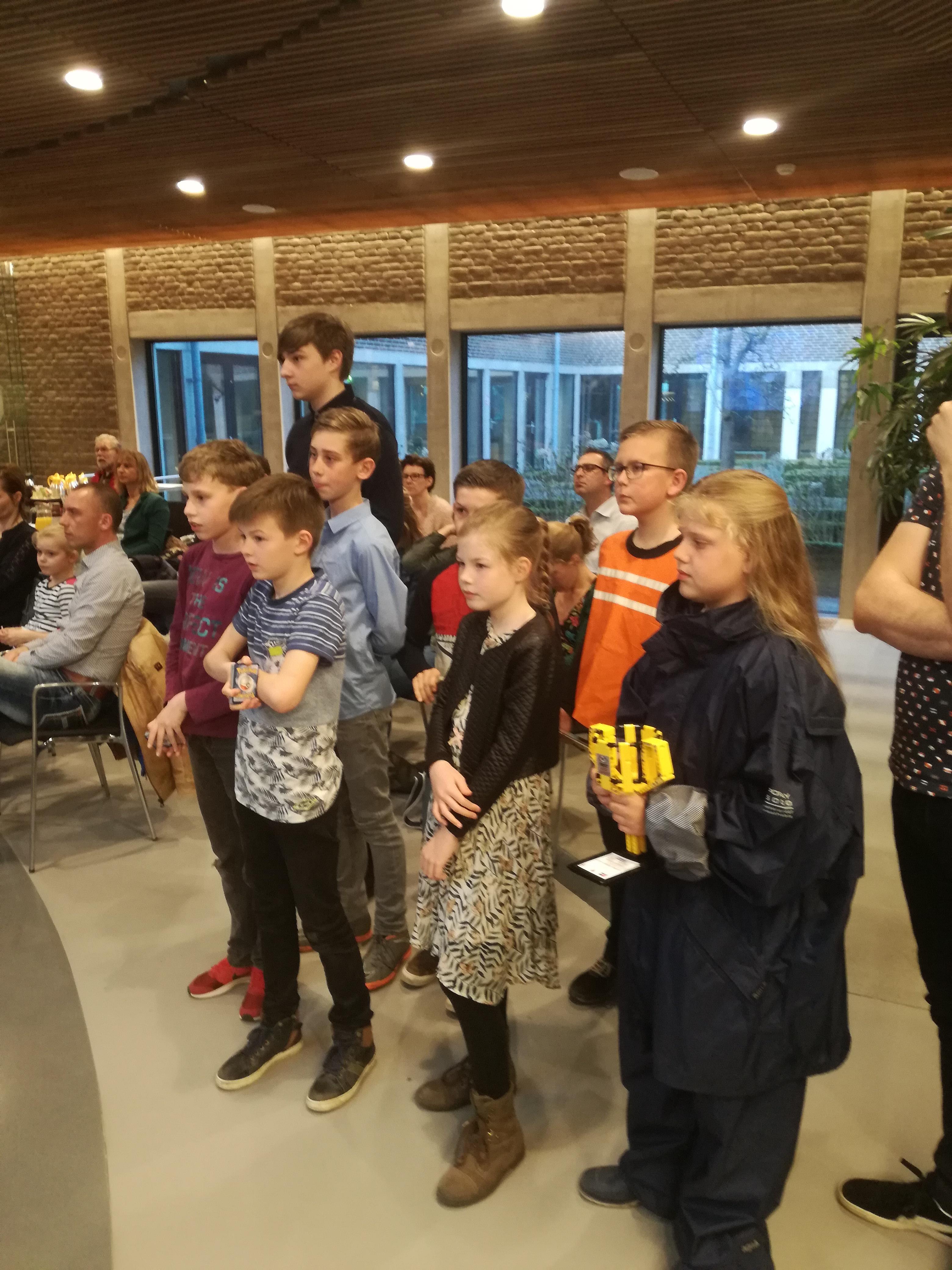 De leerlingen van de Hasselbraam staan te popelen om hun bevindingen te delen met de politici. (aangeleverde foto)