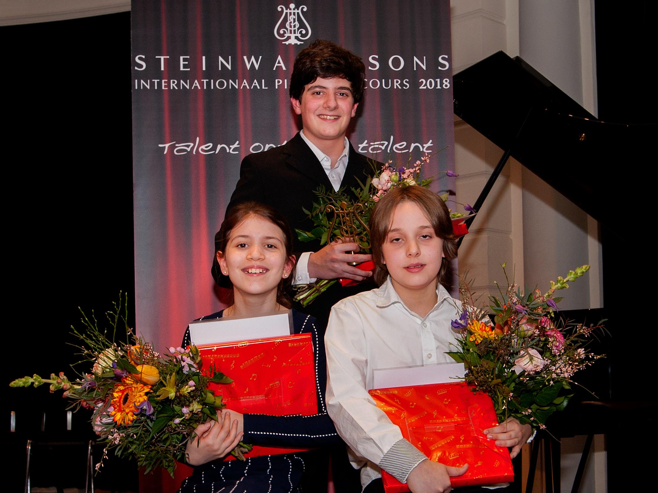 Winnaars Steinway Pianoconcours 2018, v.l.n.r.: Julia Nefedov, Andrei Makarov, Dimitri Zweers. (Foto: Anne Meyer)