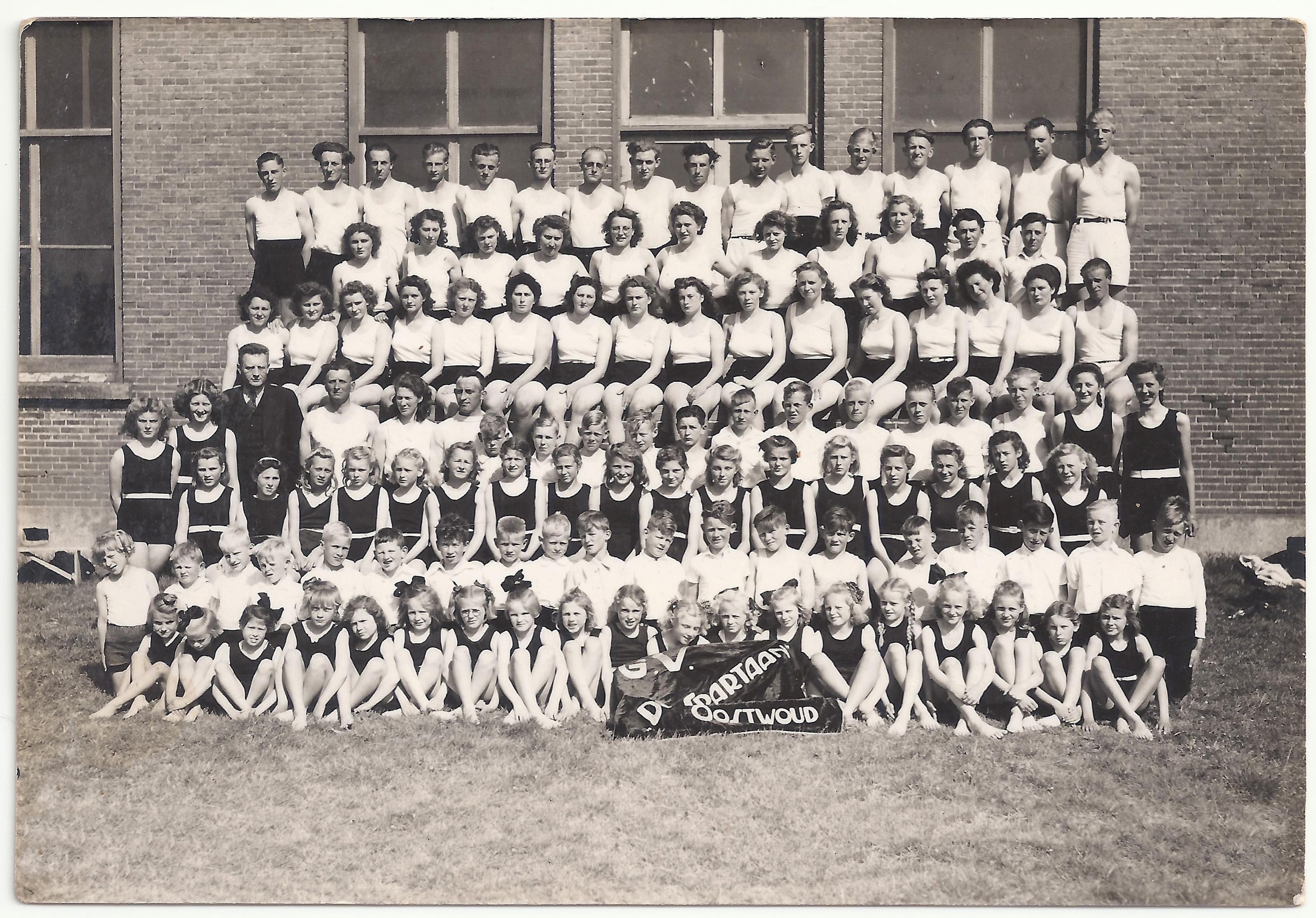 Gymvereniging Spartaan in 1947. (Foto: aangeleverd)