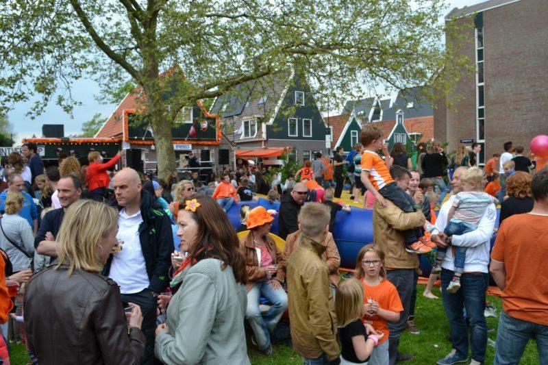 Voor koningsdag blijf je gezellig in de Zaanstreek. (Foto: Bar Babbels)