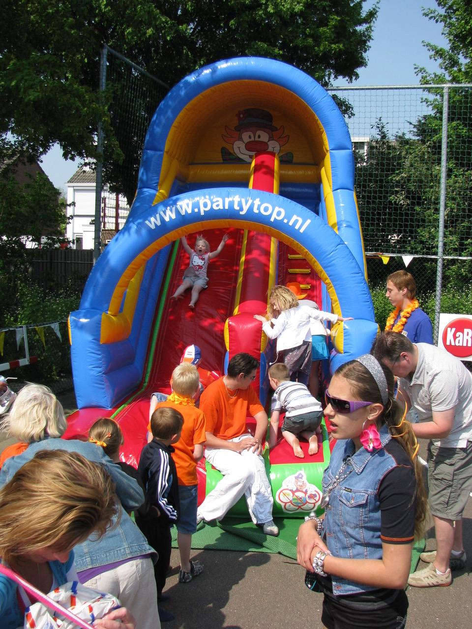 Koningsdag Zwaag: gezelligheid voor jong en oud op 't Krijt. (Foto: aangeleverd)